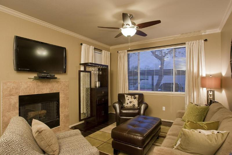 Livingroom With Plasma TV and Fireplace - 2 Bed 2 Bath Condo - Kierland Plaza  Condo - Gated - Scottsdale - rentals