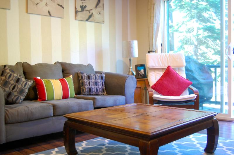 Living room - 2 Bedroom Charming Condo next to Heavenly! - South Lake Tahoe - rentals