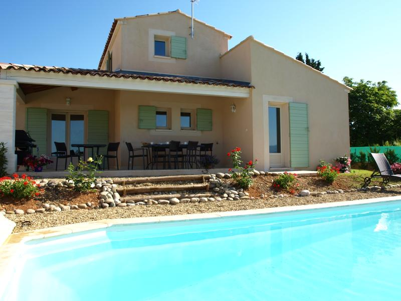 Villa in Provence for a Family with Pool near Town - Villa Montclar - Image 1 - Saint-Saturnin-les-Apt - rentals