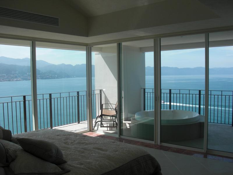 Ocean front 4 BDR Grand Ventian Best Views in PV - Image 1 - Puerto Vallarta - rentals