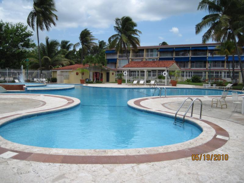 The Villas pool facilities include a children's pool as well. - Enjoy and relax at our beautiful beach Villa! - Dorado - rentals