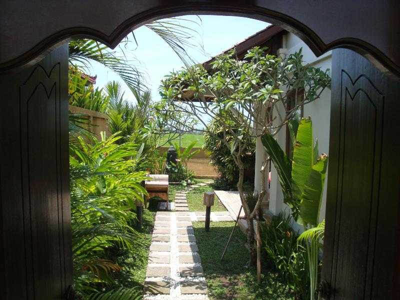 Entrance to Villa Padi karo - Villa Karo, 3 Bedroom private villa in Cemagi - Bali - rentals