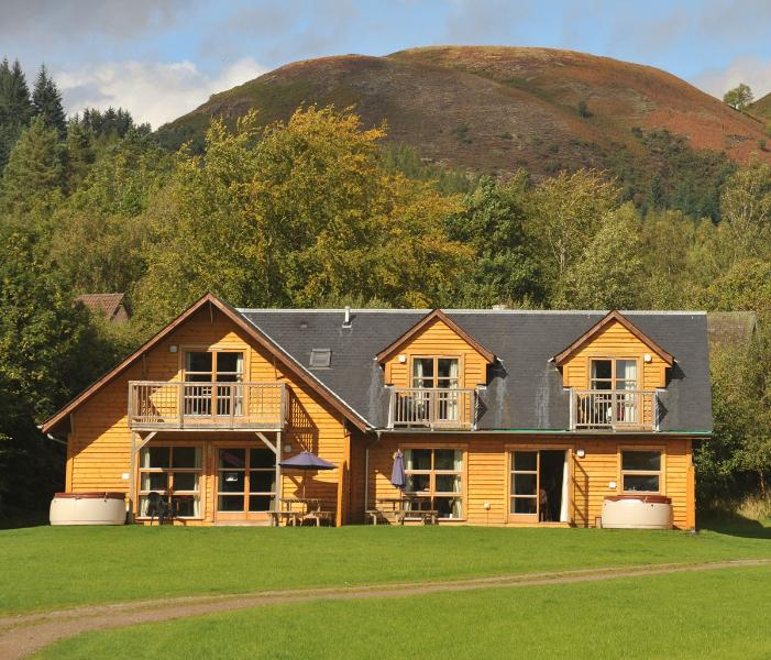 Exterior lodge looking towards Conic Hill - Loch Lomond Waterfront - Balmaha - rentals