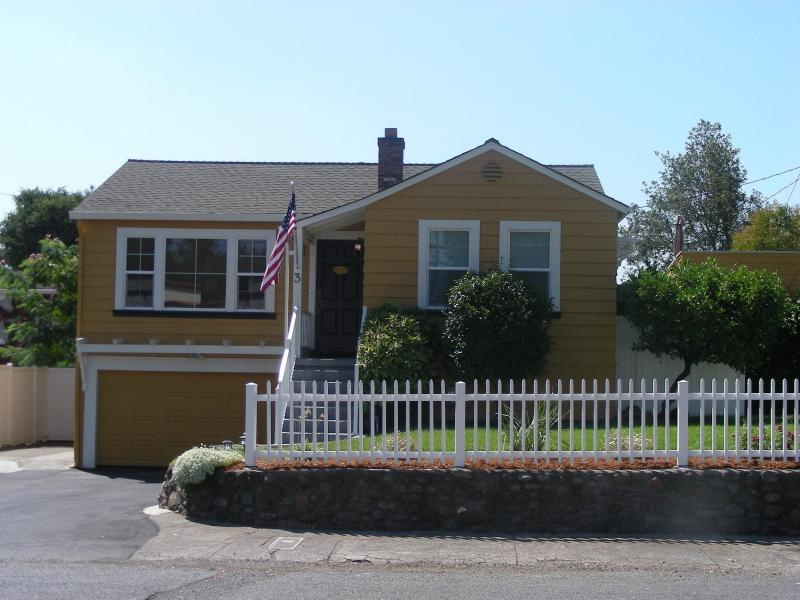 The sunny east side of Silverado Trail in Alta Heights - SUMMER SUN & NAPA WINE COUNTRY FUN: THRU HARVEST! - Napa - rentals
