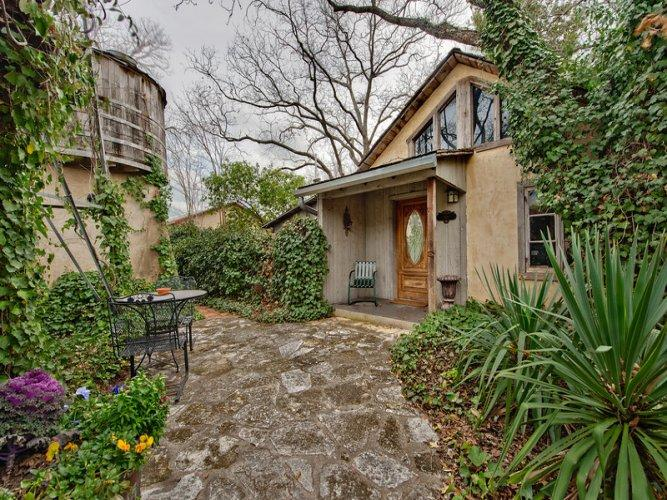 Austin Street Retreat - Eli's Suite - Image 1 - Fredericksburg - rentals