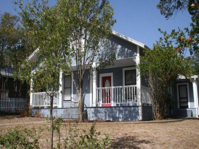 Hill Cottage - Image 1 - Fredericksburg - rentals