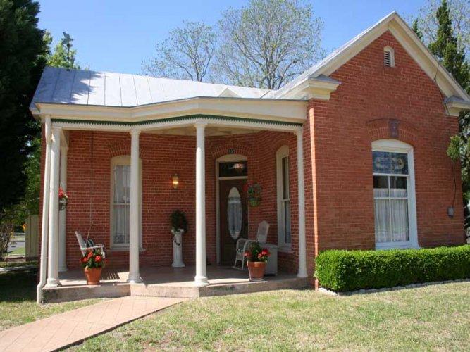 Hotopp House - 1914 Suite - Image 1 - Fredericksburg - rentals