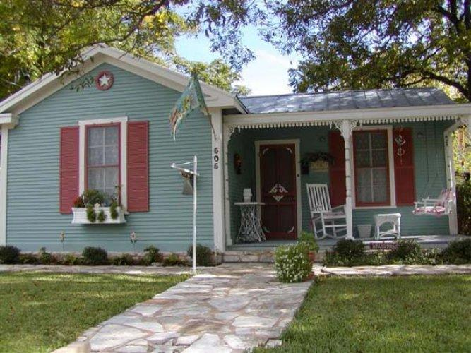 Brigid's Cottage - Image 1 - Fredericksburg - rentals