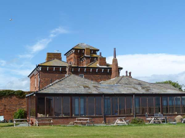 ROA ISLAND HOUSE, family friendly, character holiday cottage, with hot tub in Roa Island, Ref 8088 - Image 1 - Cumbria - rentals