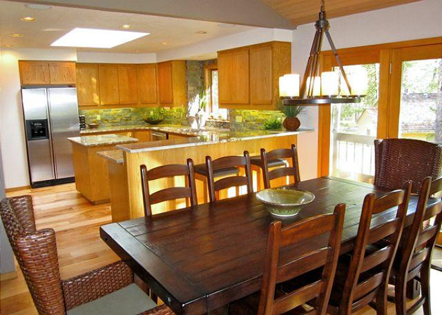 Modern Sunriver Home with Pool Table and SHARC passes Near the Village - Image 1 - Sunriver - rentals