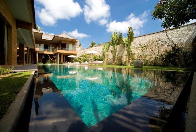 Bali Lifestyle.- 4 Bed Super Lux Villa - Seminyak - Image 1 - Bali - rentals