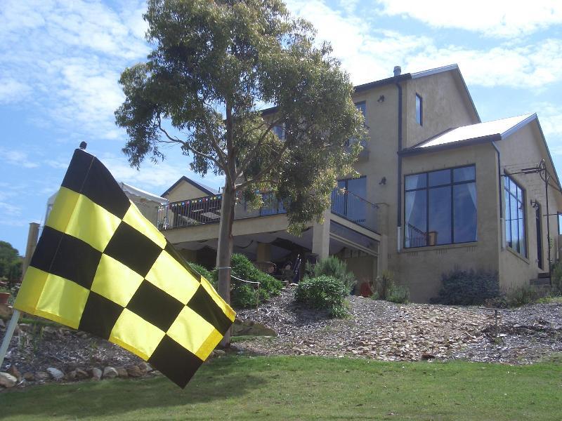 Golf near the Villa - Basia Mille Luxury Accommodation and Vineyard - Fish Creek - rentals