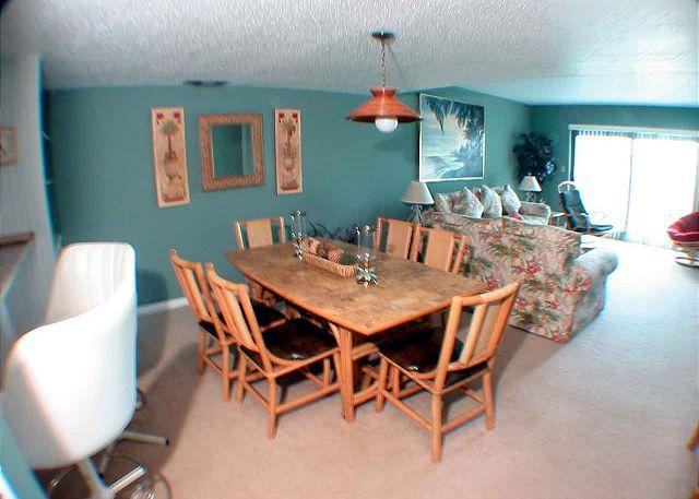 Ocean One 504 Living and Dining - Ocean One 504 - Oceanside 5th Floor Condo - Hilton Head - rentals
