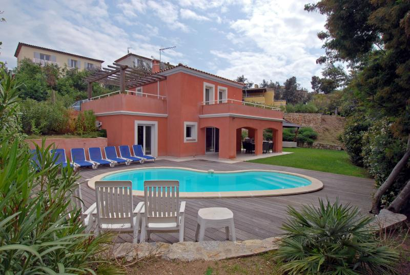 Villa Pastour Cannes Vacation Rental with a Pool - Image 1 - Cannes - rentals