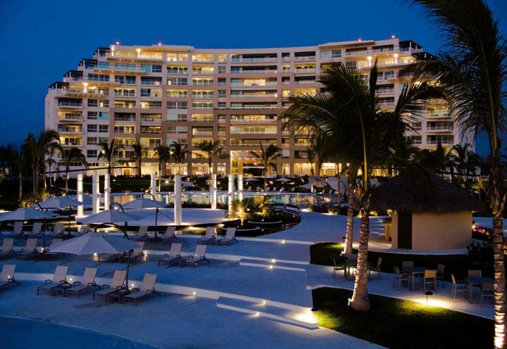 Building by Night - Beachfront Bucerias - DelCanto Private Residences - Nuevo Vallarta - rentals