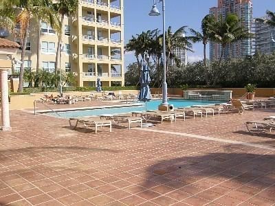 South Beach, Walk to the beach, up to 8 people - Image 1 - Miami Beach - rentals