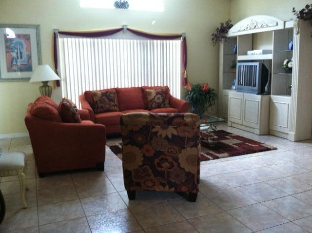 lounge area - SPECIAL- Budget 3bd  $ 105 Off Season & $ 110 Peak - Kissimmee - rentals