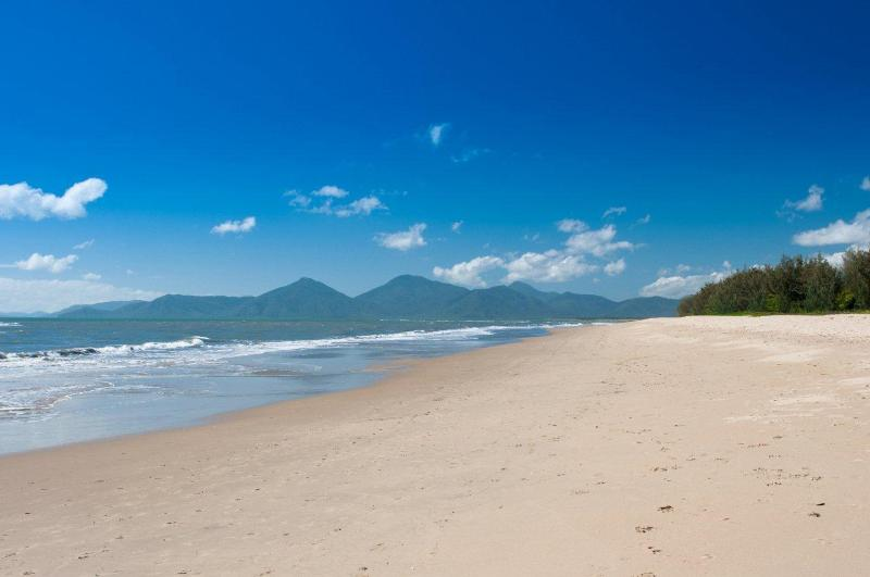Yorkeys Knob beach - Cairns Beach Holidays - Yorkeys Knob - Yorkeys Knob - rentals