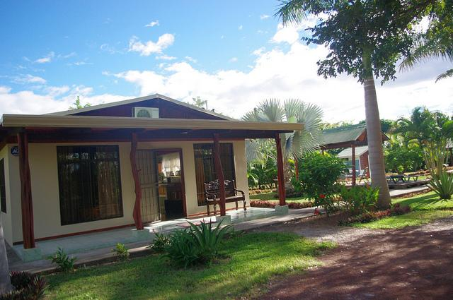 Palma Real cottage, front view, garden and gazebo - Explore Paradise ! - Liberia - rentals