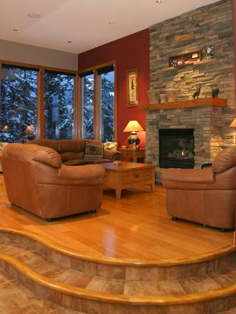Custom design and beautiful crasftsmanship distinguish Silverado's Great Room. - SLOPESIDE LUXURY: 5 Bed / 7 Bath - Silver Star Mountain - rentals