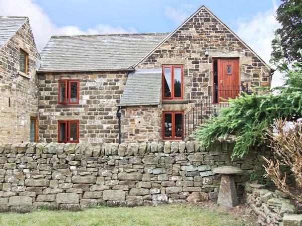 PHOENIX LOFT, pet friendly, country holiday cottage, with a garden in Dronfield, Ref 6952 - Image 1 - Dronfield - rentals