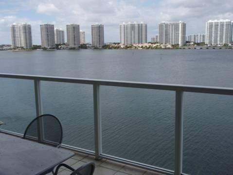 view by day from balcony - Fantastic view in Sunny Isle Beach - Sunny Isles Beach - rentals