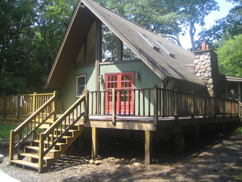 Main entrance and front deck - Olive Oasis Luxury with Hot Tub, Woodstock Area - Woodstock - rentals