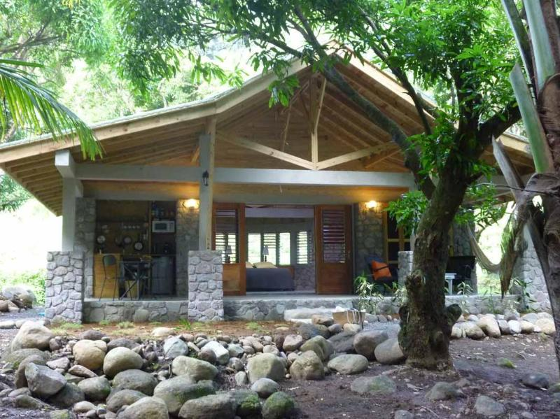 Mango cottage - Riverside cottage in a plantation - Dominica - rentals