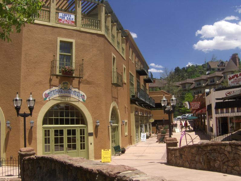 Historic Manitou Springs Spa Building - Manitou Springs Skylight Loft Manitou Spa Building - Manitou Springs - rentals