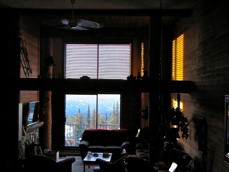 Morning has broken. Time to hit the slopes! - Beautiful Large Condo at Big White Ski Resort - British Columbia - rentals