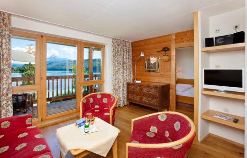 Living Room (1) - LLAG Luxury Vacation Apartment in Füssen - 527 sqft, clean, on-site activities, beautiful views lake… - Füssen - rentals