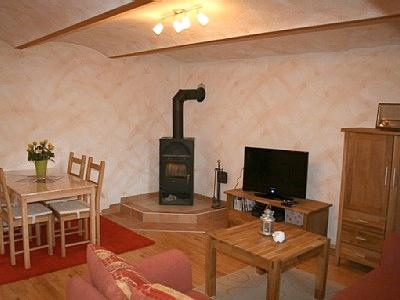 Vacation Apartment in Kerben - 431 sqft, nice, romantic tiled oven, pretty furnishings (# 1012) #1012 - Vacation Apartment in Kerben - 431 sqft, nice, romantic tiled oven, pretty furnishings (# 1012) - Kerben - rentals