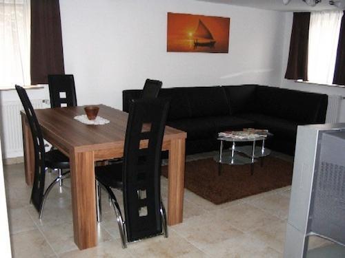 Vacation Apartment in Bad Urach - 646 sqft, comfortable, central location (# 509) #509 - Vacation Apartment in Bad Urach - 646 sqft, comfortable, central location (# 509) - Bad Urach - rentals