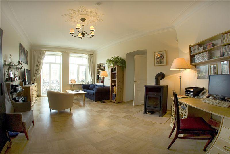 Living room with balcony - Cozy quite & bright 5 room appartment with balcony - Saint Petersburg - rentals