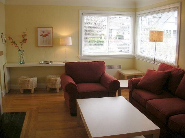 Living Room - Private Sunny House near the water in James Bay - Victoria - rentals