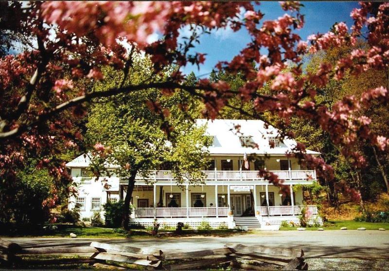 Historic Carrville Inn - Carrville Inn Resort - Trinity Center - rentals