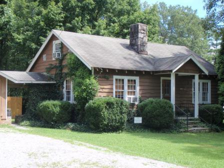 Gingerbread storybrook Cottage - Gingerbread Cottage - Hendersonville - rentals