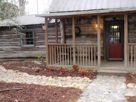 1800's log cabin in beautiful wooded setting - Historic 1800's Homestead Log Cabin, hot tub, wifi - Hendersonville - rentals