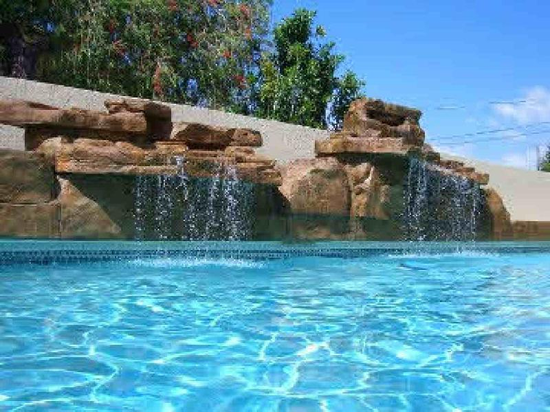 Calm Horizon unit D gorgeous pool,steps to beach - Image 1 - Holmes Beach - rentals