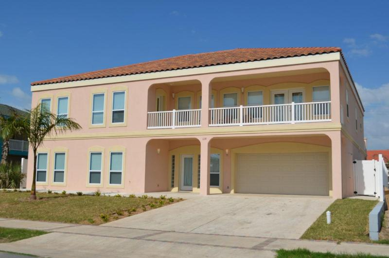 Side view of this Beauty - 7 Bdrm/5.5BthrmPool/jacuzi Billiard*10% 0ff summer - South Padre Island - rentals