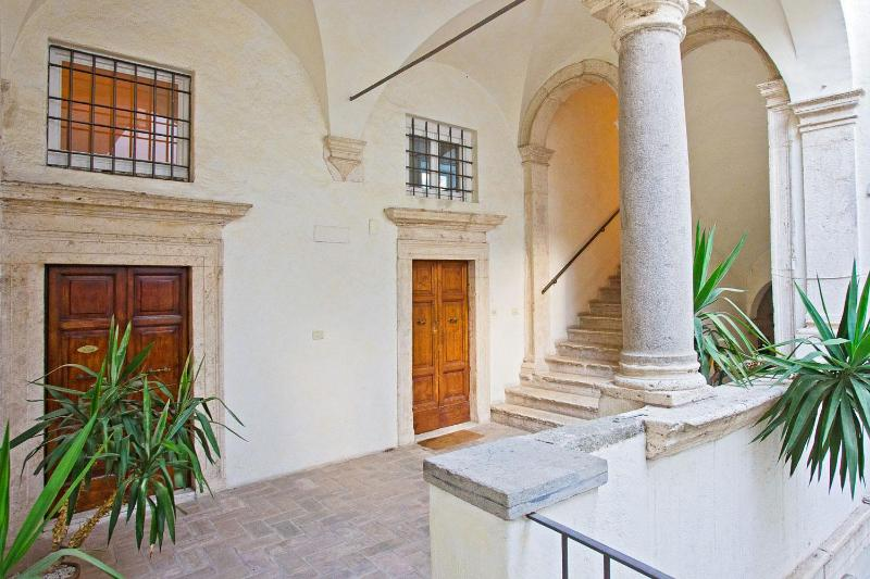 Beautiful Loft in the Heart of Roma - Image 1 - Rome - rentals