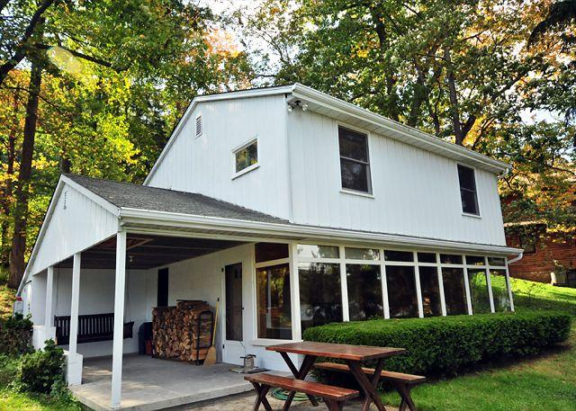 Exterior - Nestled Hideaway - McHenry - rentals