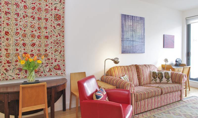 City - Super Two Bedroom by Farringdon Station - Image 1 - London - rentals