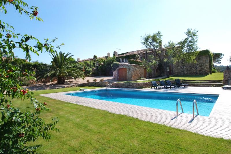 Large pool at Mas Mauri West side - Gorgeous 17 Century country house with max comfort - Regencos - rentals