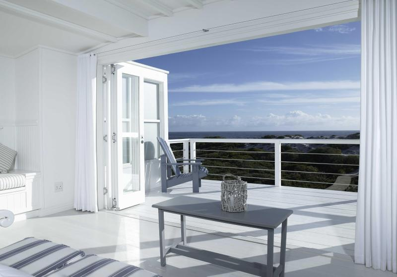 the White House Beach Villa - Image 1 - Yzerfontein - rentals