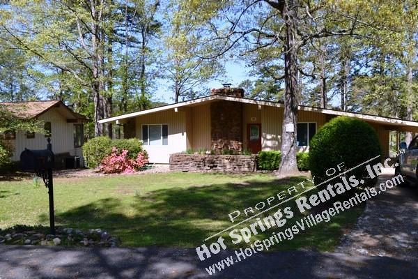 12AlamLn | DeSoto Golf Course | Home| Sleeps 6 - Image 1 - Hot Springs Village - rentals