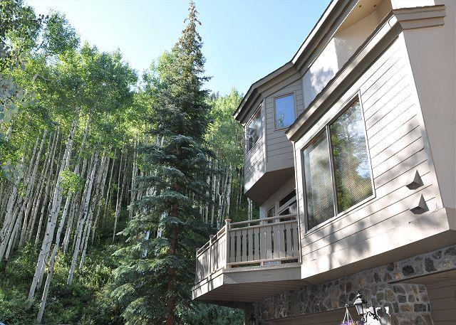 Exterior of Golfcourse Townhomes #60 - Platinum Golf Course Townhome only 1 mile from Vail village - Vail - rentals