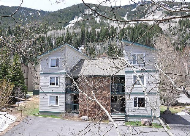 Call now for special rates for this Luxury Condo in East Vail - Image 1 - Vail - rentals