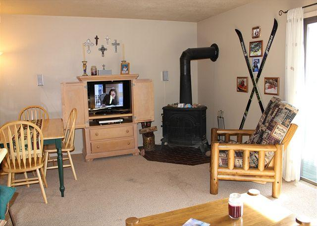 DVW306I Affordable Condo w/ Fireplace, King Bed, Clubhouse - Image 1 - Dillon - rentals