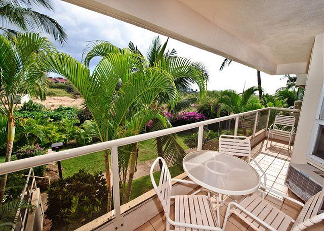 Comfortable and Clean 2-Bedroom Condo Across from Kamaole Beach 2 - Image 1 - Kihei - rentals